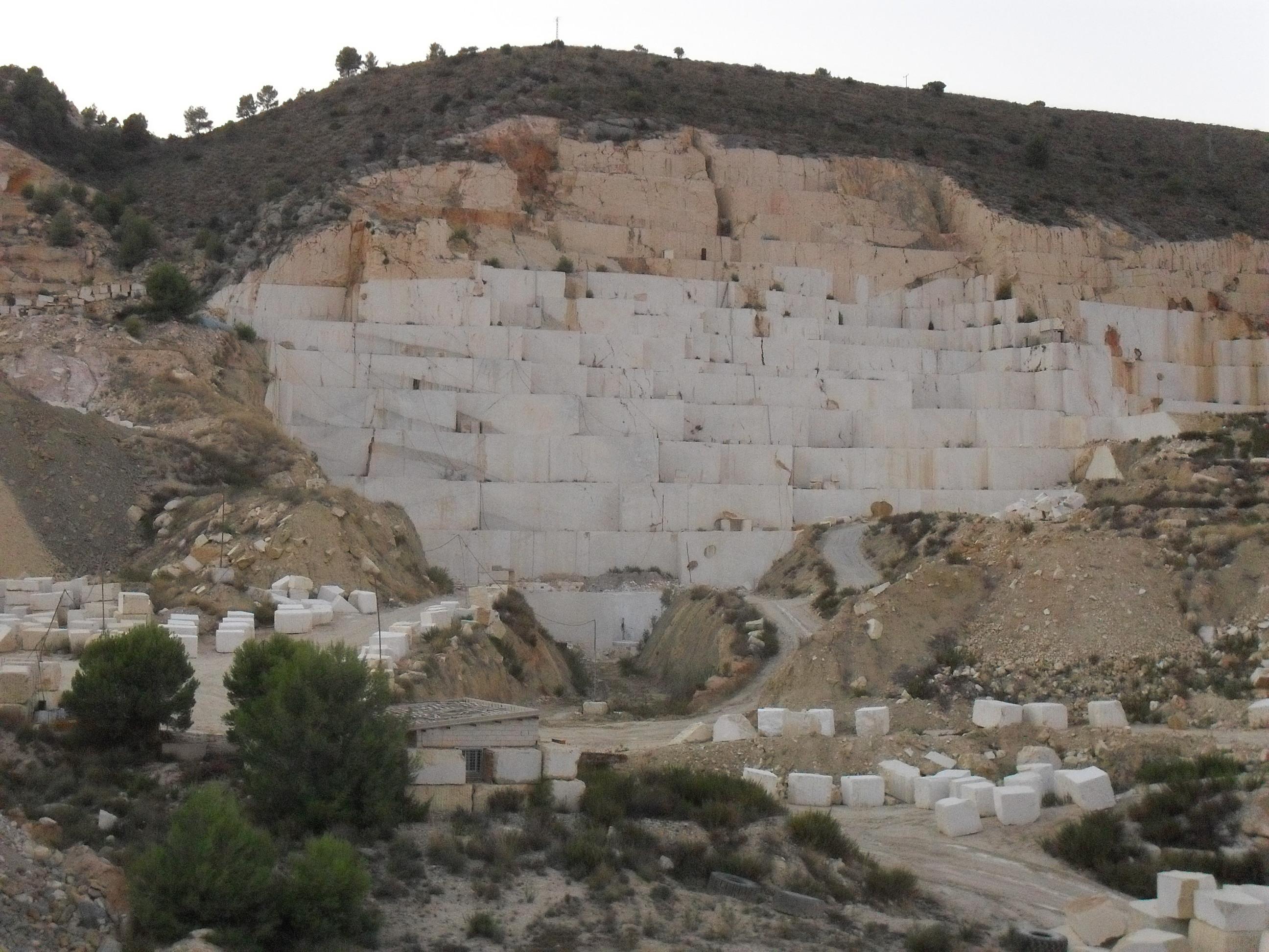 Cantera crema marfil sp for Fotos de diferentes marmoles